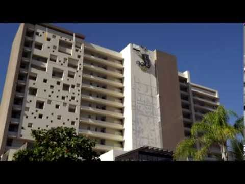 RESCATE VERTICAL: RESCATAN A DOS HOMBRES DE UN ANDAMIO COLGANTE EN EL HOTEL NOW AMBER EN PUERTO VAL…