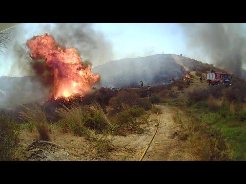 VÍDEO DE CAPACITACIÓN: INCENDIO FORESTAL RODEA A LOS BOMBEROS EN CERRADO DEL AGUILA, BOMBEROS DE MI…