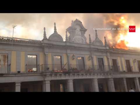 INCENDIO DESTRUYE EL AYUNTAMIENTO DE BRUNETE - MADRID EN ESPAÑA