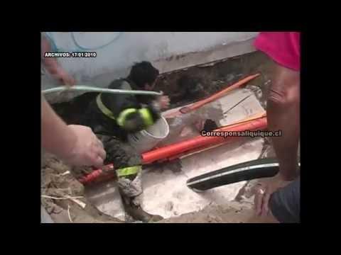 ENERO 2010 - INCREÍBLE RESCATE EN POZO, DE UN OBRERO POR BOMBEROS DE IQUIQUE - CHILE / Video Destacado de La Hermandad de Bomberos