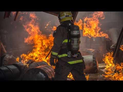 """BOMBEROS DE CALI """"CRIADOS POR LOBOS"""" / Vídeo Destacado de La Hermandad de Bomberos"""