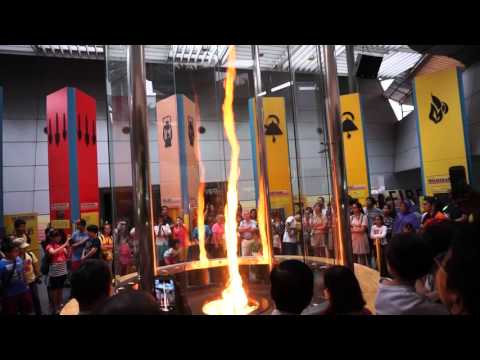 """""""TORNADO DE FUEGO (FIRE TORNADO)"""" - DEMOSTRACIÓN DEL CENTRO DE CIENCIAS DE SINGAPUR"""