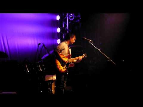 Thom York at the Echoplex