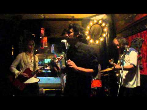 Them Howling Bones - live from Echo Park
