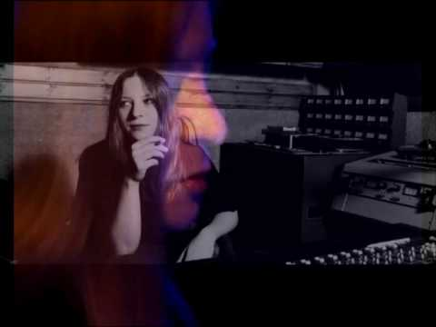 "Grigoreas plays Lena Platonos' ""Diving in a lemonade"" for guitar solo"