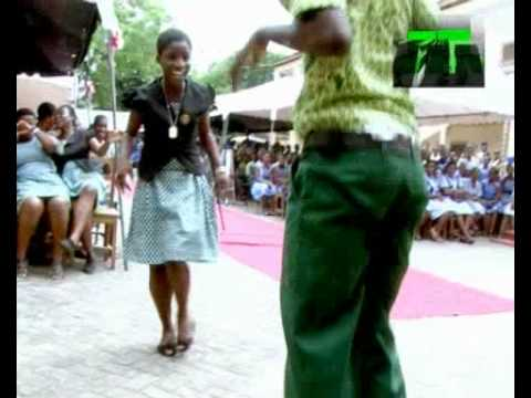 AZONTO DANCE IN SENIOR HIGH SCHOOLS. SONG BY SARKODIE - U GO KILL ME O