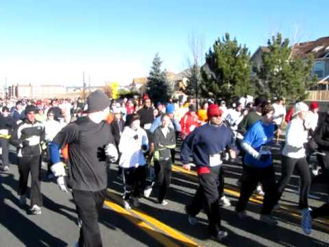 Start of the 2010 Briargate YMCA / Kaiser Permanente Turkey Trot 5K