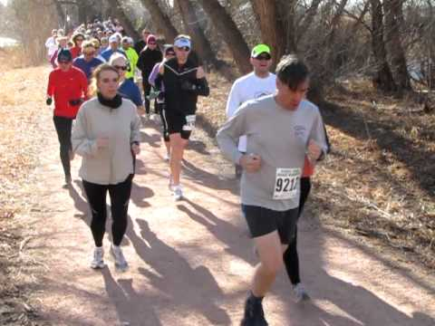Against the wind: Winter Series No. 2 long-course runners take on the Pikes Peak Greenway Trail