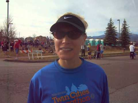 Colorado Running Company's Ashlee Nelson wins Turkey Trot 5K