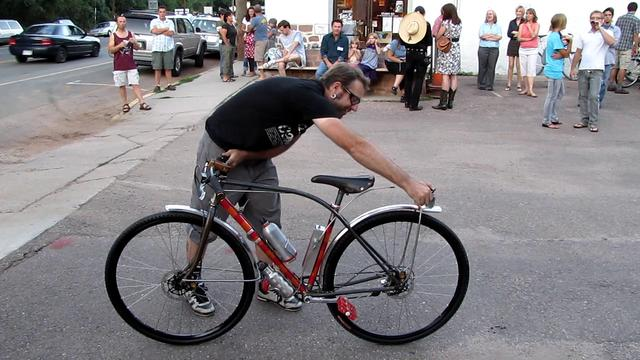 This is how Colorado Springs bike builder Eric Baar rolls