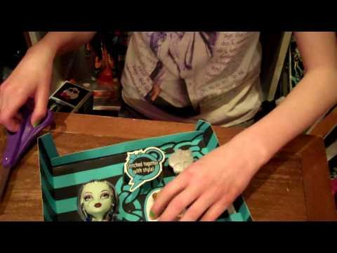 Unboxing The Monster High Frankie Stein Doll!