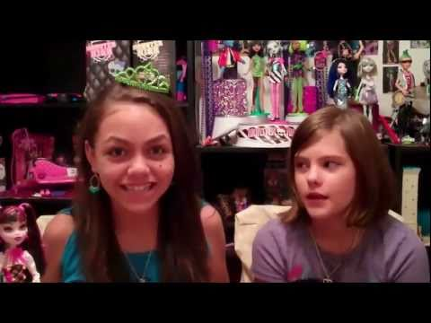 Monster High Clawd Wolf And Draculaura Review and Mini Contest
