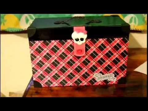 Monster High Dolls Trunk Review