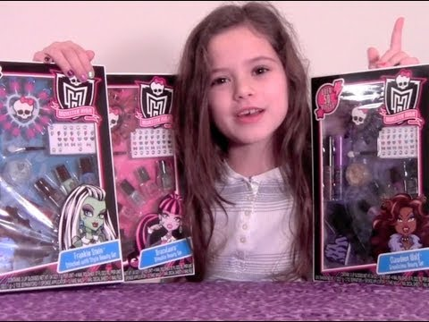 Monster High Makeup Beauty Set Review Frankie Stein, Draculaura and Clawdeen Sets
