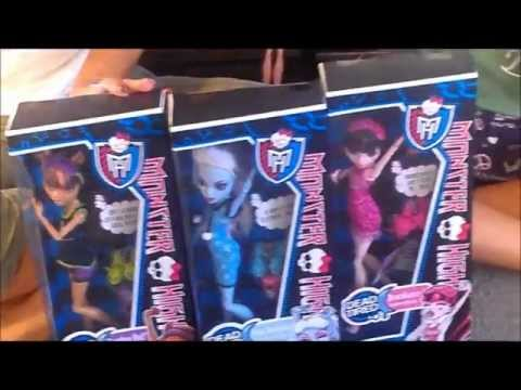 Monster High Dead Tired Abbey Bominable, Clawdeen Wolf, Draculaura review