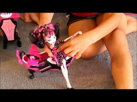 Monster High Draculaura Powder Room review