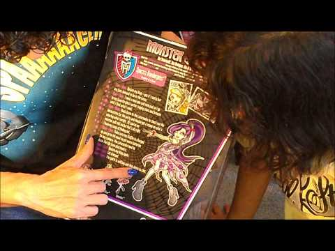 Monster High doll review Dot Dead Gorgeous Spectra