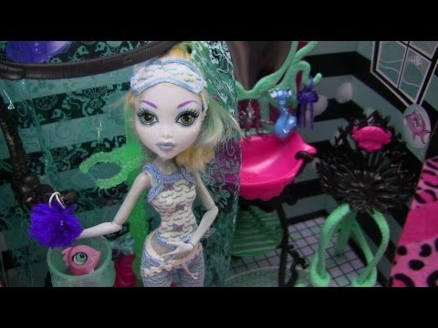 Monster High Lagoona Blue Shower Playset Review Video !!! :D!!