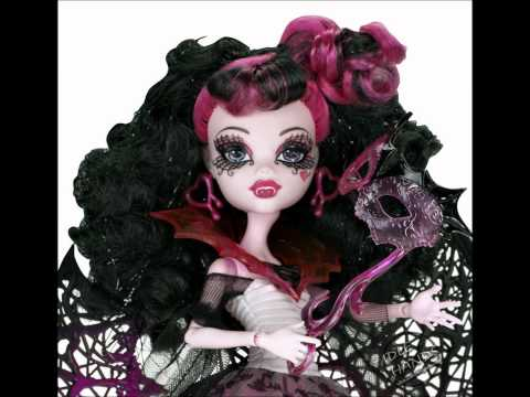 New Monster High dolls! Ghouls Rule, School Playset