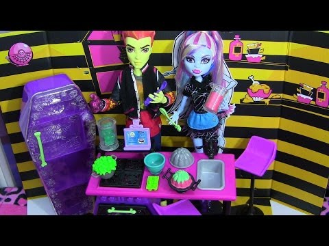 MONSTER HIGH HOME ICK PLAYSET REVIEW VIDEO !!! :D!!