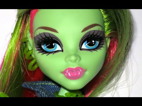 Monster High Doll Photo Editing Tutorial: Changing Makeup