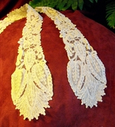 Mid-19C, Brussels Duchesse, a pair of joined lappets (2)