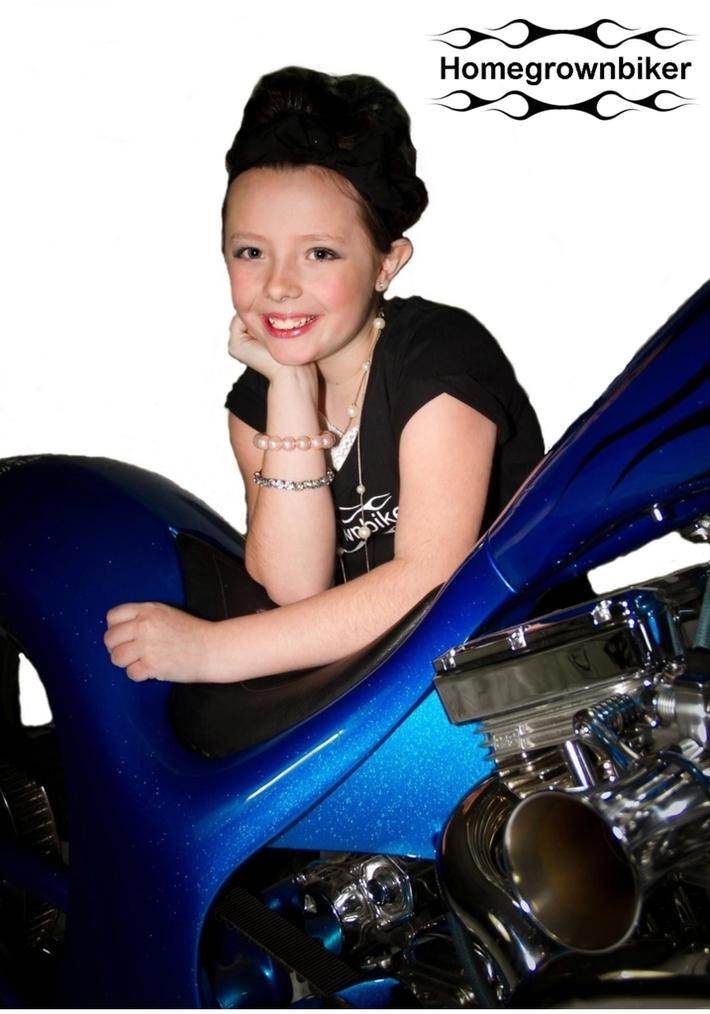 HGB Bren, blue bike