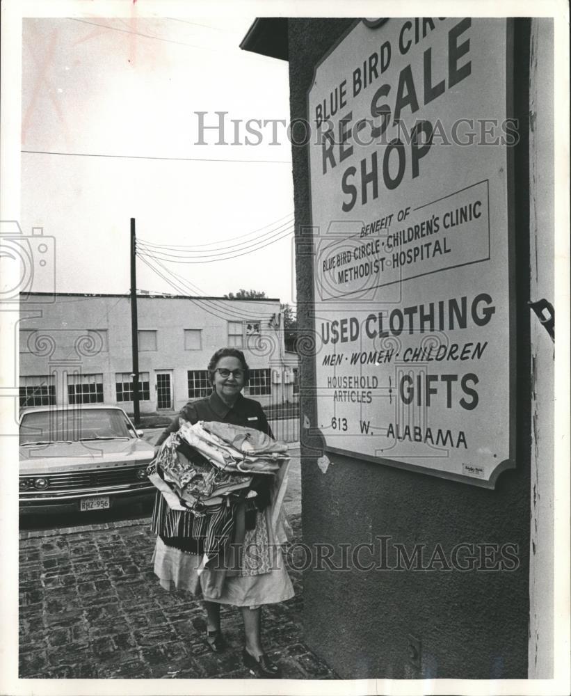 Mrs. Campbell Green Co-Chaiman Blue Bird Circle Shop