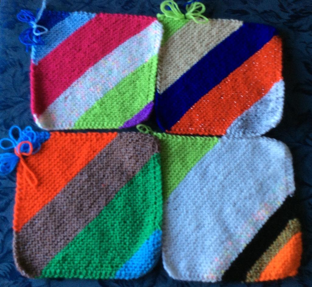 Diagonal garters