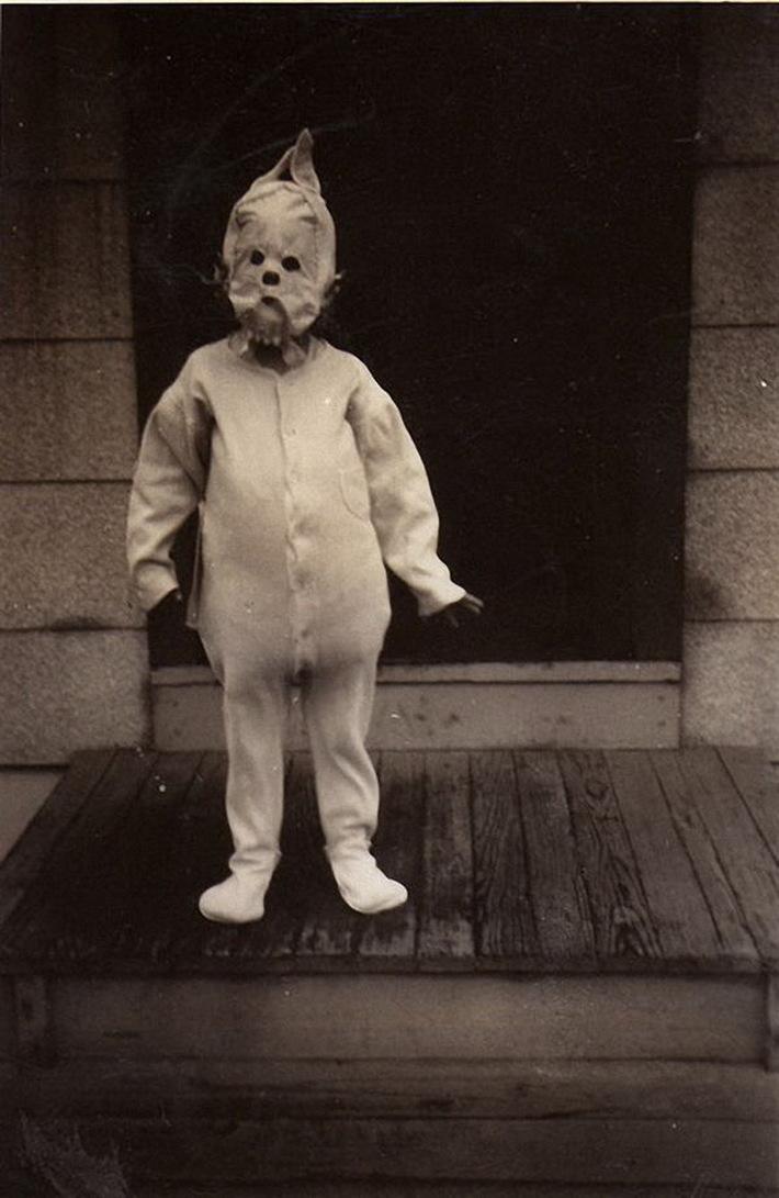Vintage_Halloween_Costumes 17