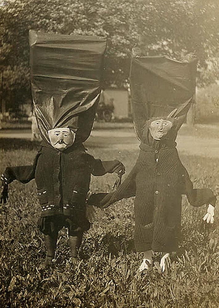Vintage_Halloween_Costumes 19