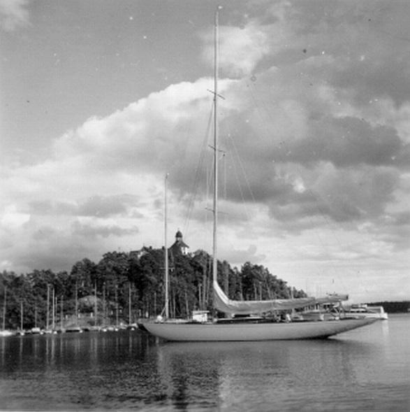 R8:an S18 Laila 1952 (troligen Saltsjöbaden)