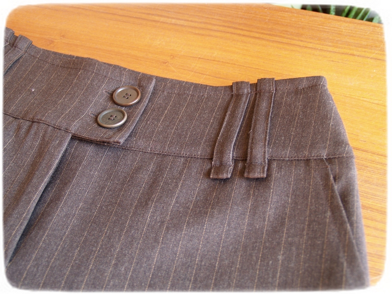 Brown pants details 2