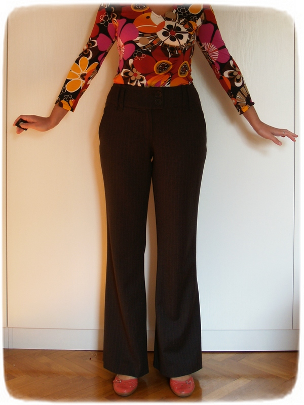 Brown pants details 7