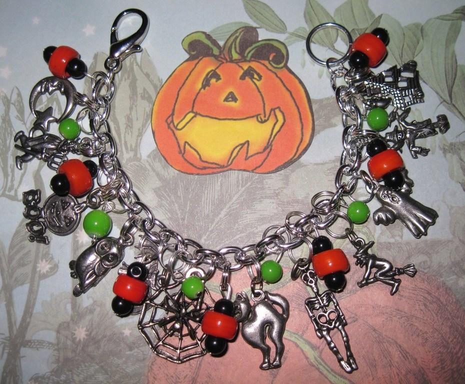 Halloween Charm Bracelets by Jynxx