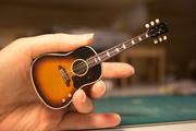 Miniature guitar 02