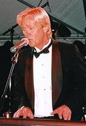 JHP sings at Mike Love wedding