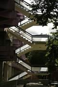 pillar-less stair