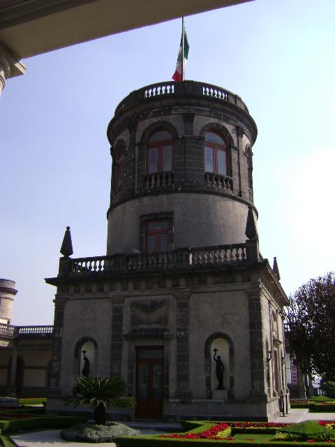 CABALLERO ALTO. ALCAZAR. CASTILLO DE CHAPULTEPEC