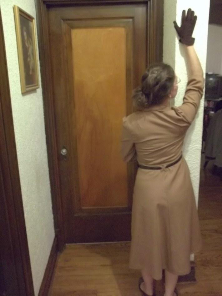 1949 Collared 'Linen' Dress-back
