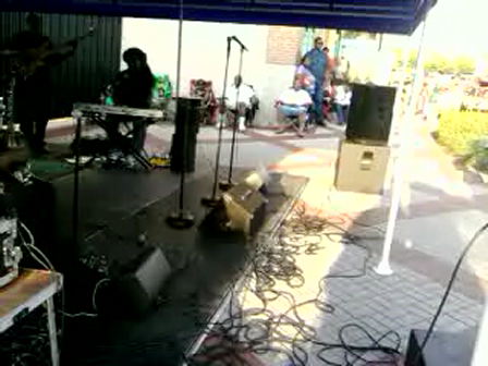 Tom Newman Project plays Far Away by Kindred the Family Soul. *New Hope Mgmt*