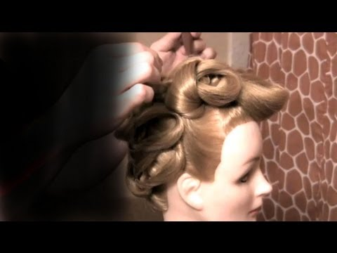How to do a Vintage Inspired Updo