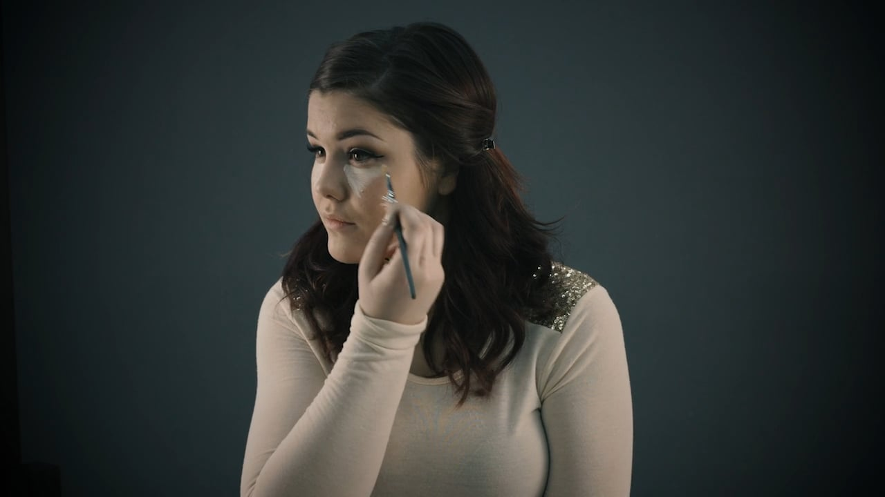 EFA Quick Tips: How to Highlight and Contour Your Face