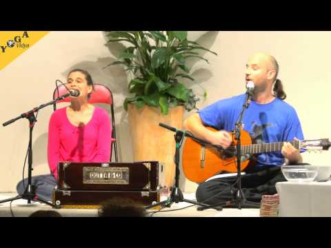 Mantra Chanting: Jaya Jagad Ambe with Kavita and Govinda