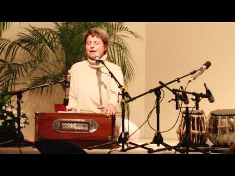 Sri Nrisimha Maha-Mantra sung by Vesna