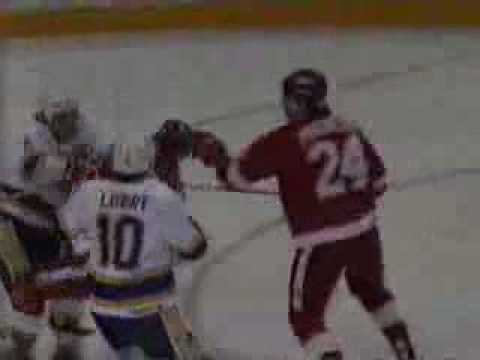 Tim Cheveldae vs. Curtis Joseph Goalie Fight