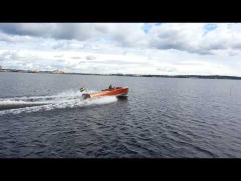 Racerbåten HYDRO XXX Efter 25år på land
