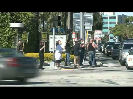 Tea Party Protesters Assaulted by Illegal Alien Amnesty Supporters in Ft