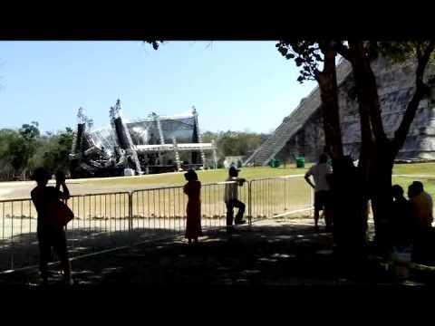 Colapsa escenario en Chichen Itzá