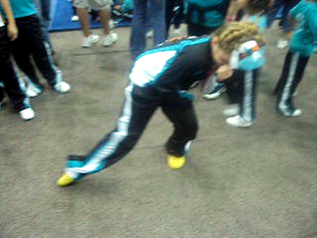 West Kendall Dolphin Cheerleader doin the stinky leg..